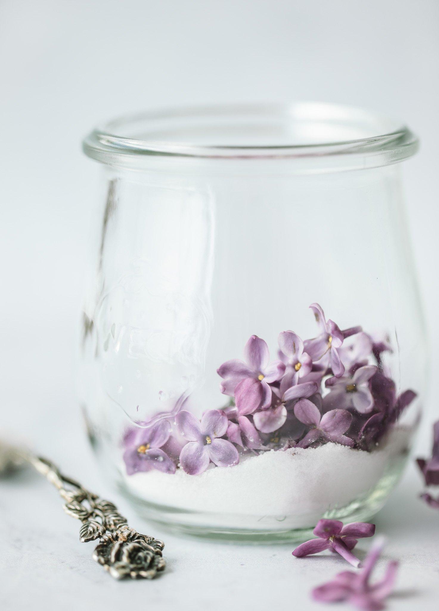 How to Make Lilac Sugar