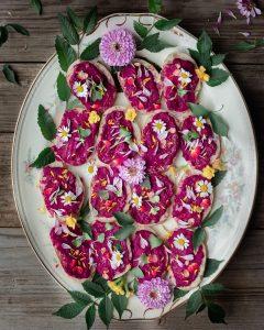 beet hummus flower crostini